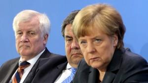 Horst Seehofer (CSU, l-r), Sigmar Gabriel (SPD) und Bundeskanzlerin Angela Merkel (CDU) / Foto: Wolfgang Kumm/dpa