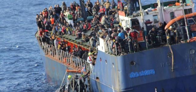 Flüchtlingsboot im Mittelmeer © all rights reserved by Frontex press