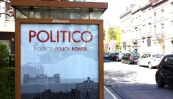 Politico-Werbeplakat in Brüssel. Foto: Thomas Otto