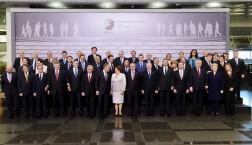 Die Staats- und Regierungschefs aus EU und den Ländern der Östlichen Partnerschaft zusammen mit EU-Kommissaren und Ratspräsident Donald Tusk beim Treffen in Riga © European Union 2015