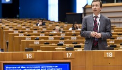 Bernd Lucke im Europaparlament © European Union 2015 - Source : EP