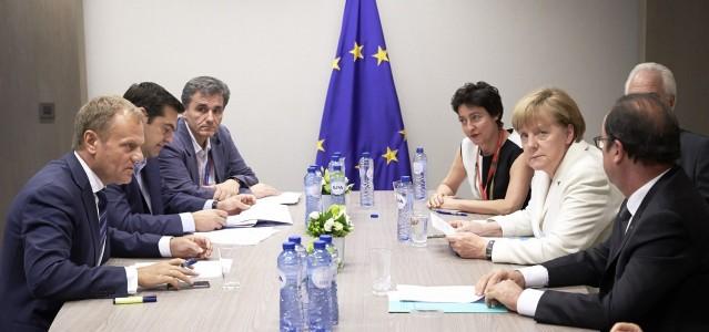 Glücklich sieht anders aus: Donald Tusk, Alexis Tsipras (1.+2. v.l.), Francois Hollande und Angela Merkel (1.+2. v.r.) bei den Verhandlungen in Brüssel © European Union 2015