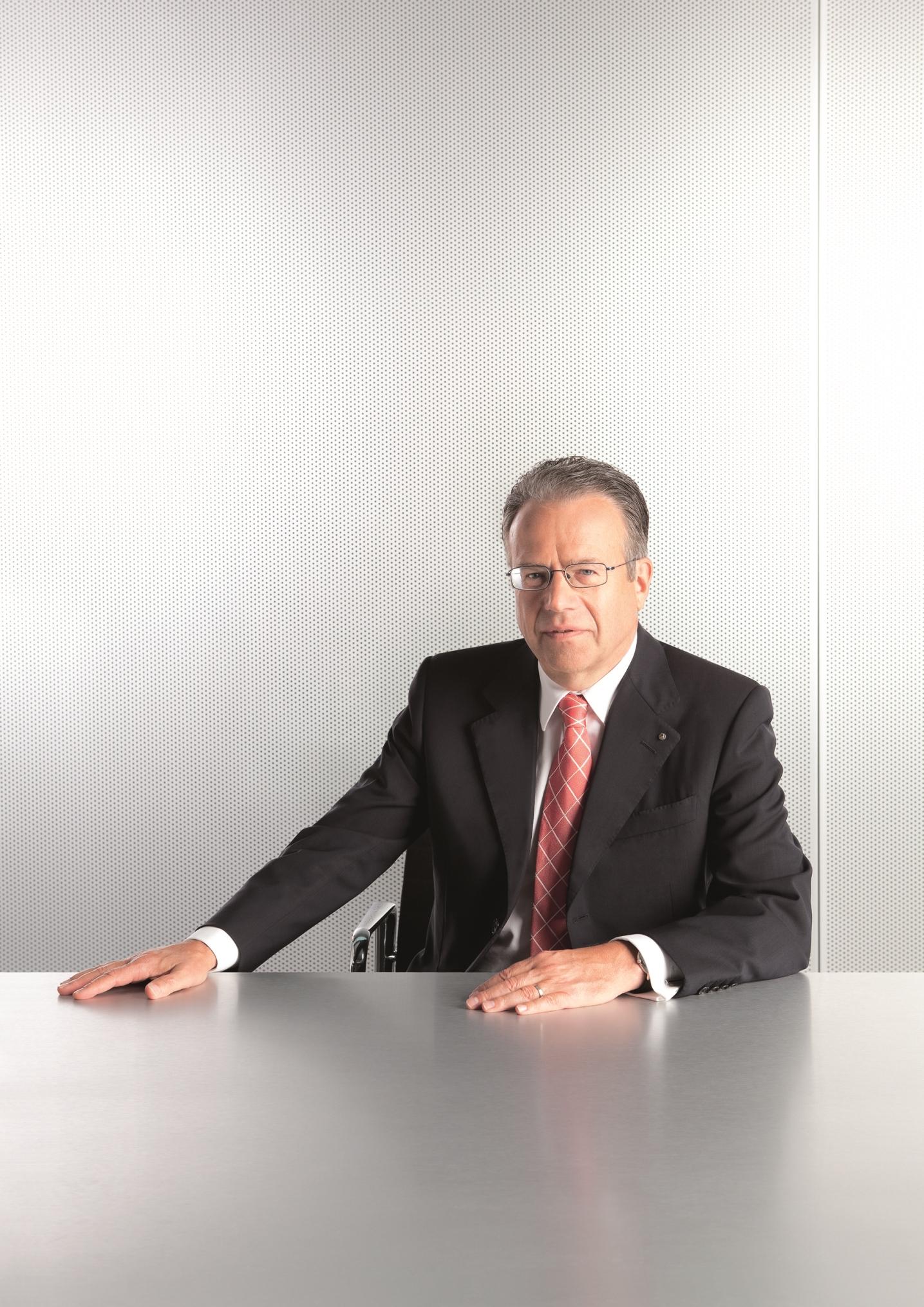 Künftig an zwei Schreibtischen unterwegs: Frank-Jürgen Weise (Foto: Bundesagentur für Arbeit)