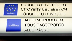 Passkontrolle auf dem Brüsseler Flughafen Zaventem © European Union 2011 PE-EP