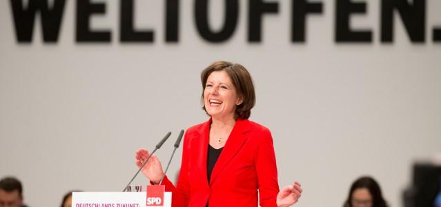 Die rheinland-pfälzische Ministerpräsidentin Malu Dreyer auf dem SPD-Bundesparteitag 2015. Foto: Kay Nietfeld/dpa