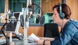 Gudula Geuther im Hauptstadtstudio von Deutschlandradio / Foto: Bettina Straub
