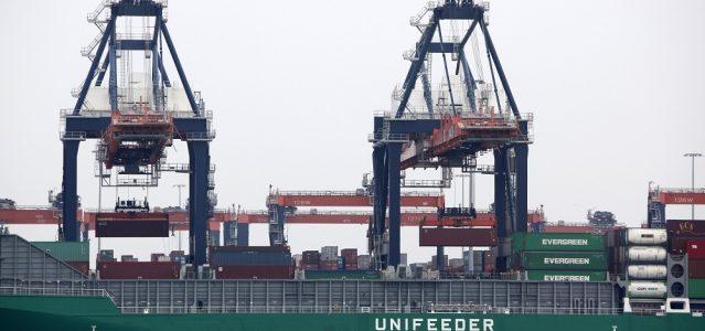 Frachtschiff im Hafen von Rotterdam ©European Union 2011 EP/PE
